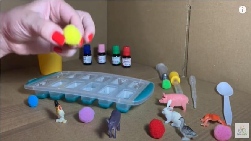 Como fazer a atividade de resgate de brinquedos no gelo?